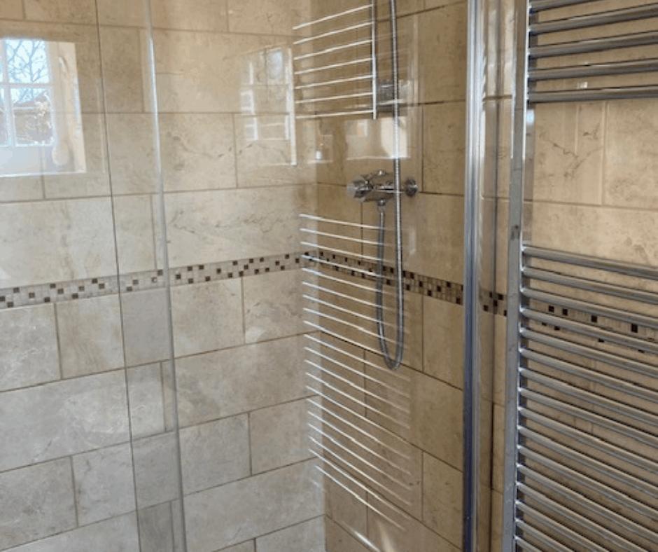 Shower Room Tam Facebook