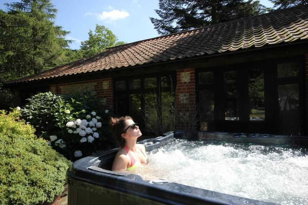 Norfolk hotel with Hot Tub